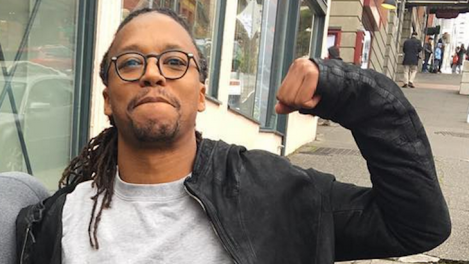 .@LupeFiasco – All While Doing A Rubik's Cube One-Handed ...